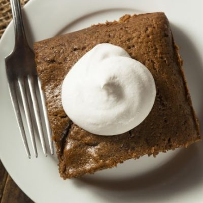 **Slow Cooker Gingerbread Pudding Cake