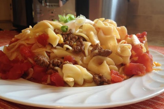 **Slow Cooker Ground Beef and Noodles
