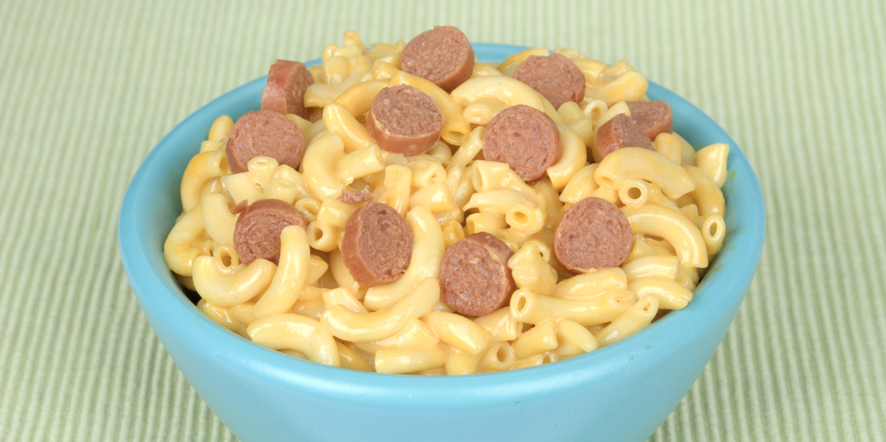 **Slow Cooker Frankfurters Macaroni and Cheese