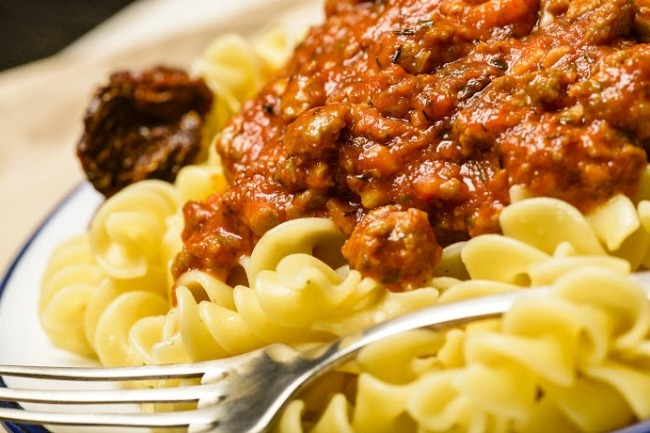 **Slow Cooker Meaty Tomato Sauce