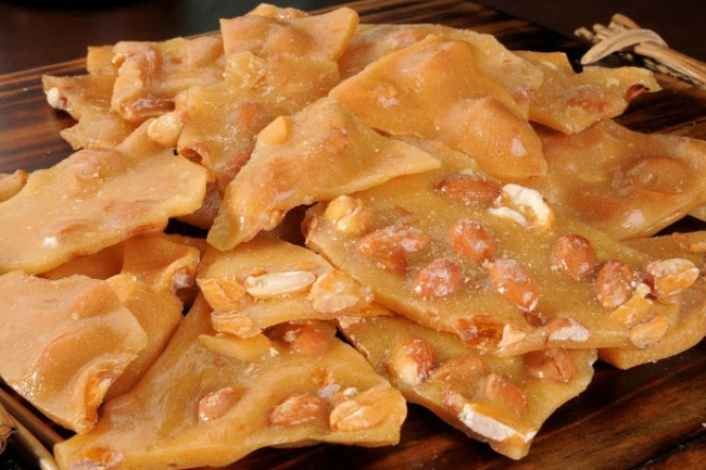 **Slow Cooker Peanut Brittle