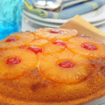 **Slow Cooker Pineapple Upside Down Cake