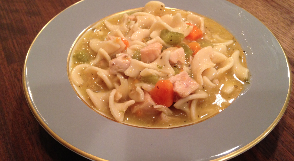 Slow Cooker Lazy Day Chicken & Noodle Soup * *