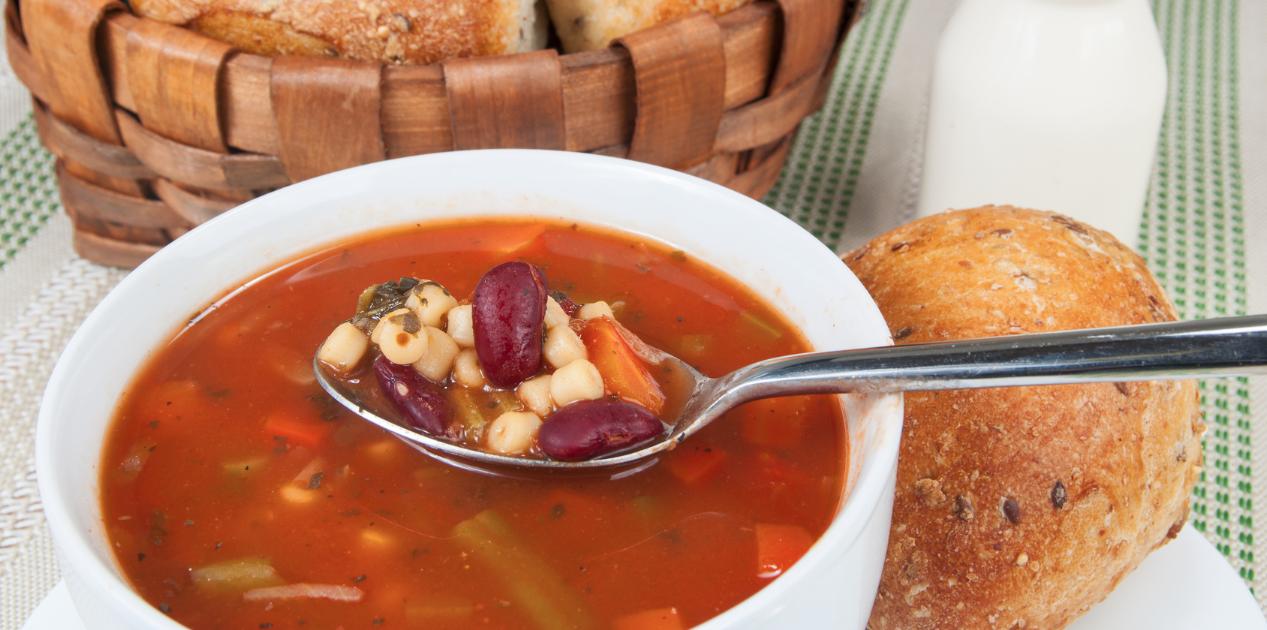 Slow Cooker Vegetarian Minestrone Soup * *