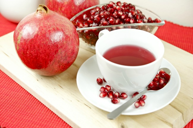 **Slow Cooker Spiced Pomegranate Tea