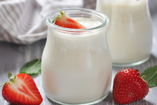 **Slow Cooker Creamy Yogurt