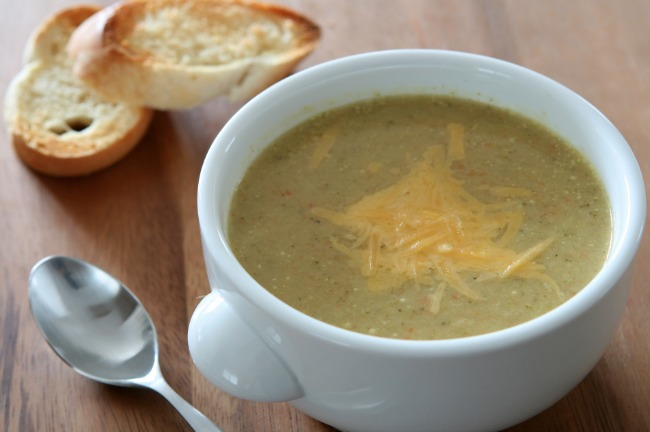 **Slow Cooker Broccoli Cheddar Soup