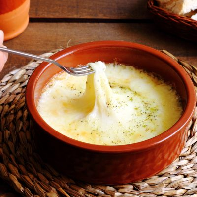 **Slow Cooker Beer Cheese Fondue