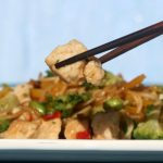 Slow Cooker Chinese Chicken & Rice Noodles