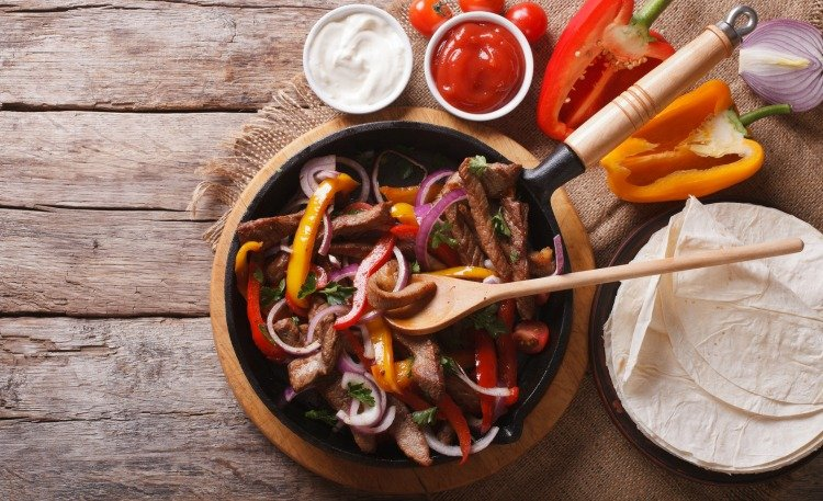 Slow Cooker Spicy Steak Fajitas